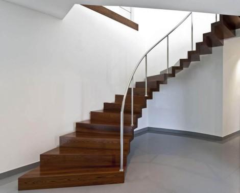 tangga-minimalis-melingkar