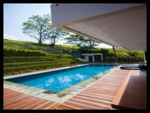 kolam renang vlla minimalis